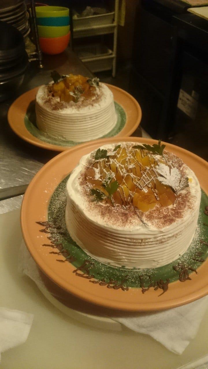 お誕生会にはホールケーキ