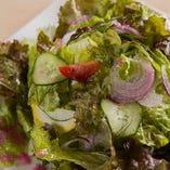 にこにこのうえんの季節の野菜サラダ