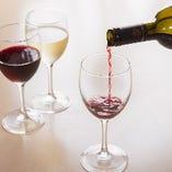 お料理に合う、厳選した有機ワインを取り揃えています。