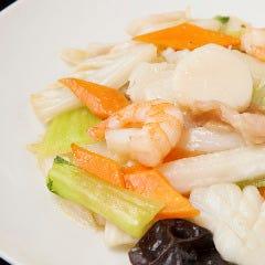 海の幸三種と季節野菜の炒め