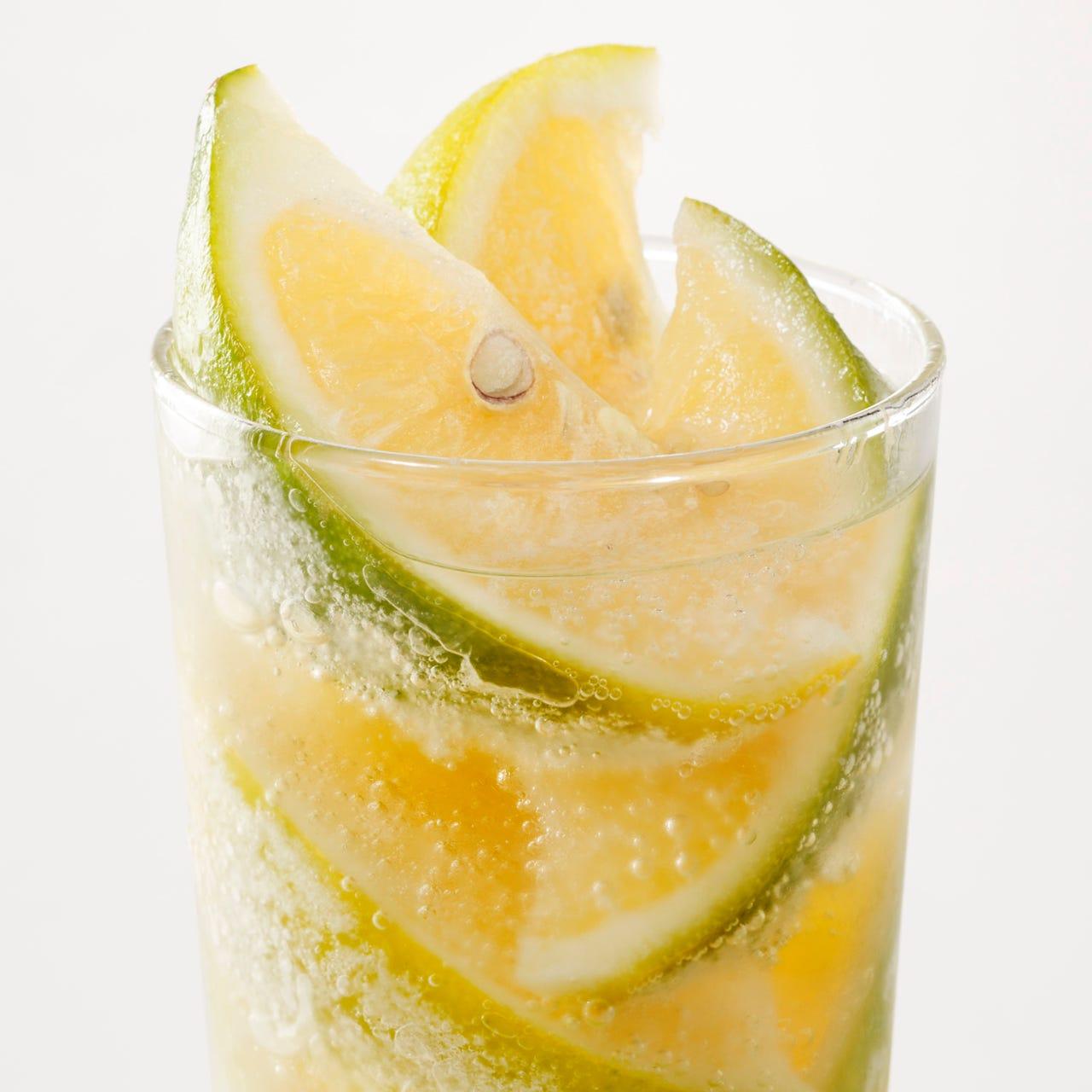 溶けてゆく程に酸味を感じられる「凍結日南レモンサワー」