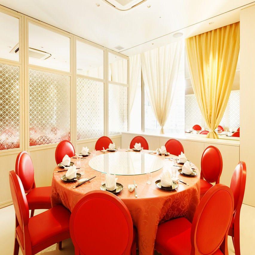 テーブル席・完全個室(壁・扉あり)・6名様~10名様