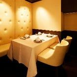 お昼のコースご予約のお客様には2名様~の様々なタイプの個室をご用意しております。
