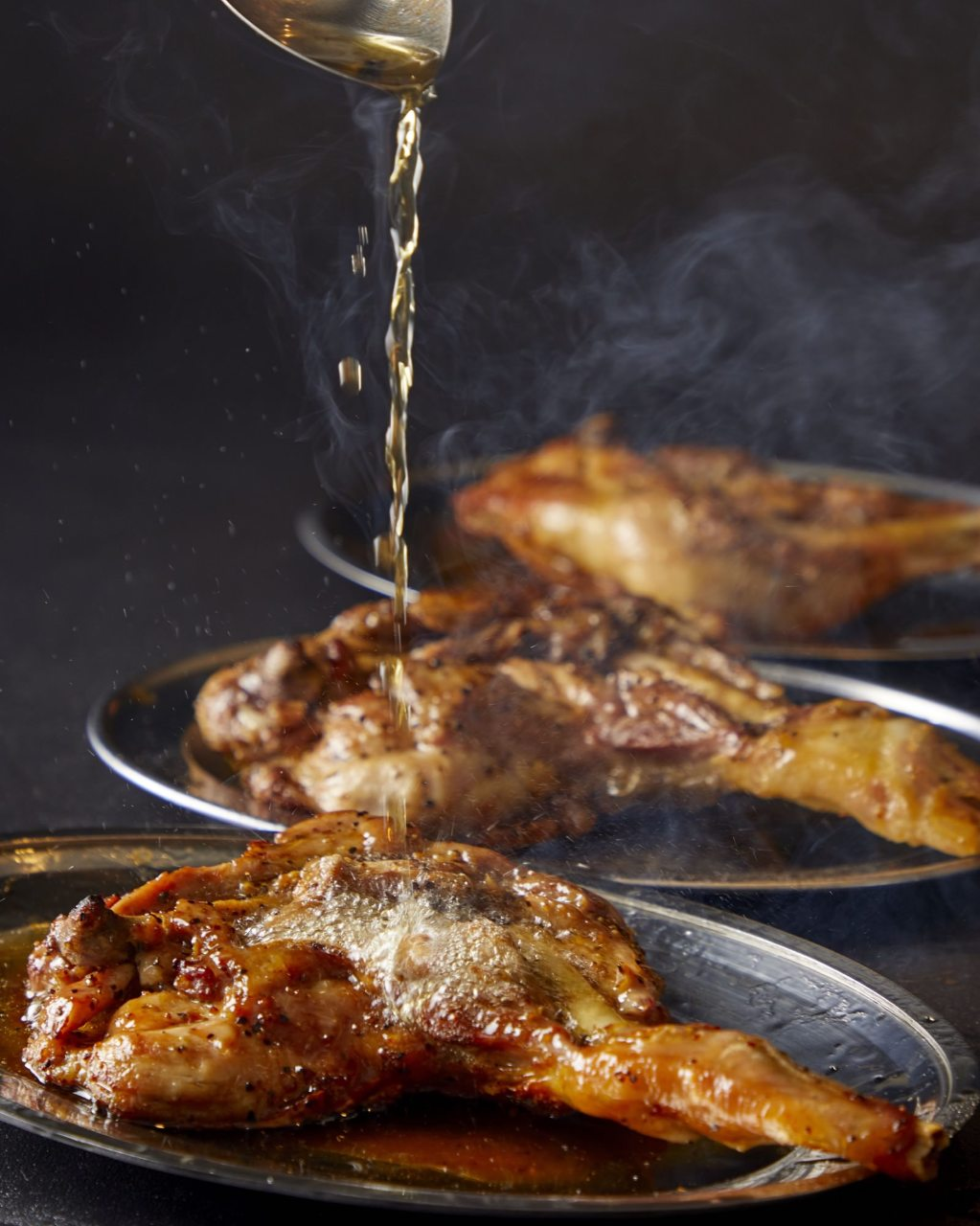 かしわ屋最強名物「骨付き鶏」