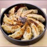 鉄鍋 餃子