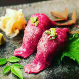 当店名物!脂がとろける絶品『近江牛炙り寿司』