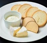 3種チーズの盛り合わせ