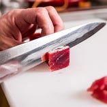 有名ホテル和食部門の料理長を10年以上務めた店主の技が光ります