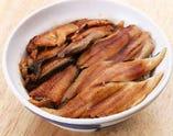 きざみうなぎと煮穴子丼