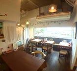 【1Fカフェ&レストラン】関門海峡を望む窓側のお席はお早目にお越しください。