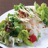 蒜山ダイコンとおかかのサラダ