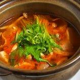 豆腐と豚バラのチゲ鍋風