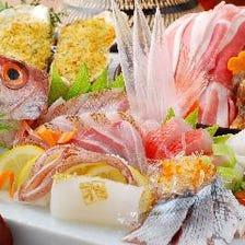 料理の主役の一つ。活きた魚介。