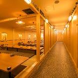 全席完全個室だから、何名でご予約いただいても『個室確約』! 人数に合わせてぴったりのお部屋へご案内