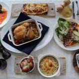 ご家族連れでもゆっくりディナーをお楽しみいただけます。