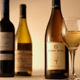 お好みのワインとおいしい食事で至福のお時間を