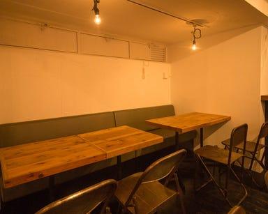SWANLAKE Pub Edo 渋谷代々木上原店 CAFE DE TETE 店内の画像