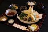 天ぷら竹定食1,740円(税込)の他に色々な定食もございます。