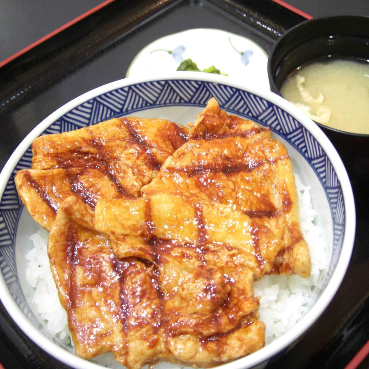む〜んらいと この豚丼 イオン釧路店