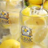 こだわりの最強レモンサワーなど豊富なドリンクは飲 放OK!