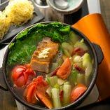 パンチの効いたスープは、再現できそうでできない、さすが!の味です