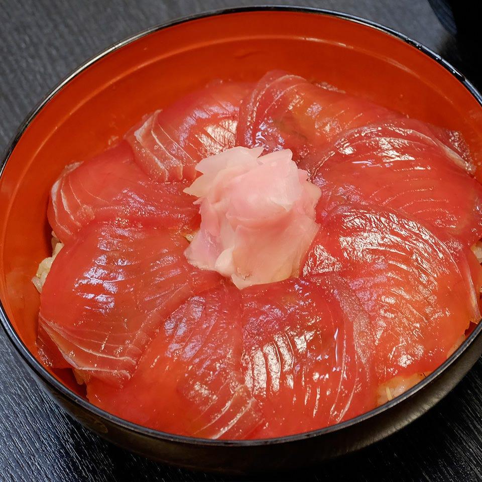 伊勢志摩の郷土料理「てこね寿司」