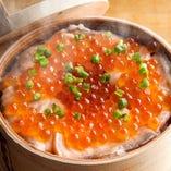 【鮭とイクラ蒸はらこ飯】 海の幸が詰まった懇心の〆料理!