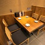 宴会やお食事に最適なテーブル席