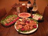 Party料理も充実! 15名様~の貸切も可能です。(御予約)