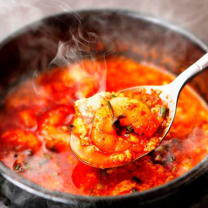 韓国料理の定番♪熱々のチゲ!!