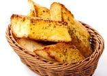 サクサクなガーリックトーストは大人気