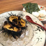 銚子から直接買い付けた美味しいウニが食べれる日はラッキー♪