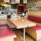 テーブル席(6名様×7卓)
