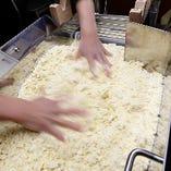 麺は自家製麵。当店で毎日製造しています!!