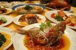 コース料理 3000円~、アラカルトも多数ございます。