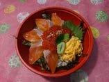 サーモンイクラ丼