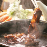 【すき焼】極上肉を丸芋にたっぷりつけて頂きます。