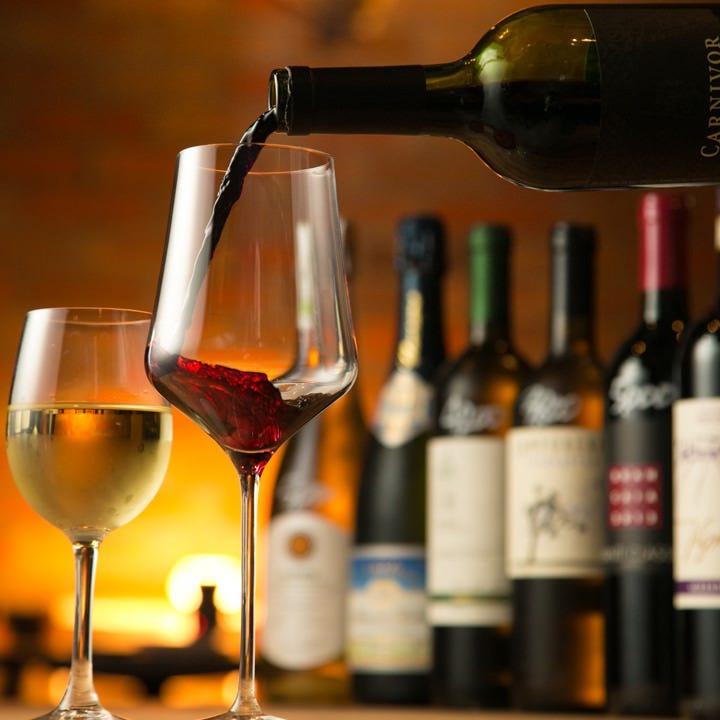 全100種類を超える極上のワインたち