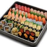 寿司盛 5,400円(持ち帰り用) 季節によって食材が変わります