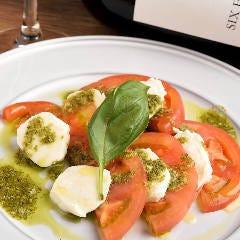 【おすすめ】水牛モッツァレラとフルーツトマトのカプレーゼ