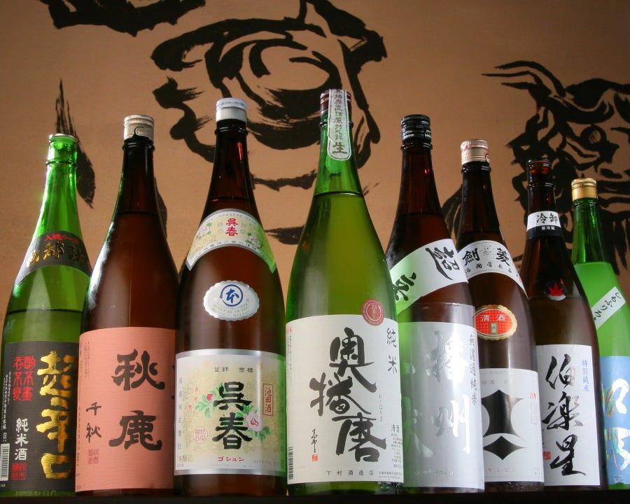 日本各地の地酒にこだわっております