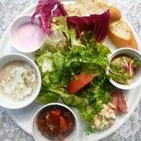 キッシュプレートランチ(スープ・パン付き)