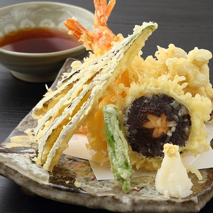 寿司屋ならではの手作りの逸品たち