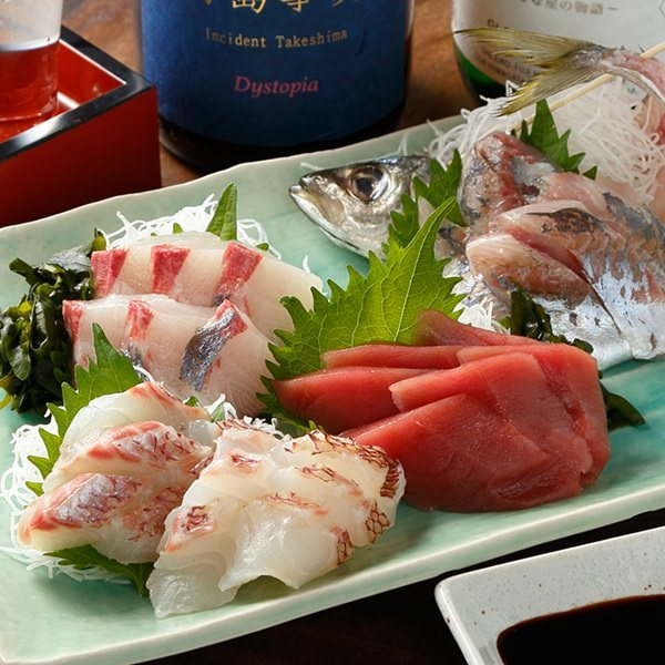 【3H飲み放題付】宮崎産赤鶏タタキ&ミニいくら丼など全10品『ガッツリコース』5,000円!エビスビール飲放