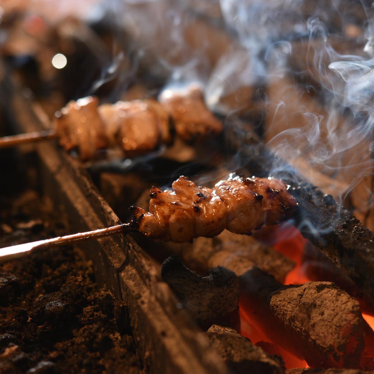 炭を多く使用した近火・強火 肉汁をしっかりと閉じ込めます