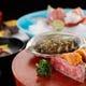 彩り豊かな季節の食材を活かし、盛り付けも美しい懐石料理