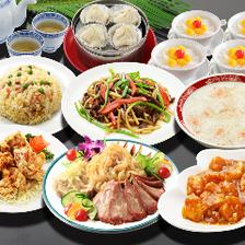 自慢の上海料理を気軽に楽しめる