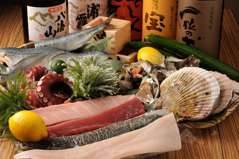 【ぐるなび限定】《若潮》鮮魚4種盛り、江戸前にぎり3貫巻物 飲み放題付き4,500円 2名様~
