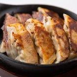 鶏の炭焼き餃子