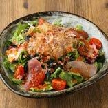 新鮮魚介の海鮮サラダ